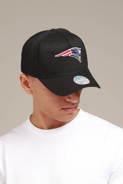 Mitchell & Ness New England Patriots 110 Pinch Snapback Black