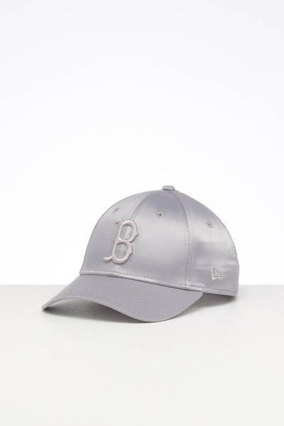 New Era Women's Boston Red Sox 9FORTY Strapback Mist Satin