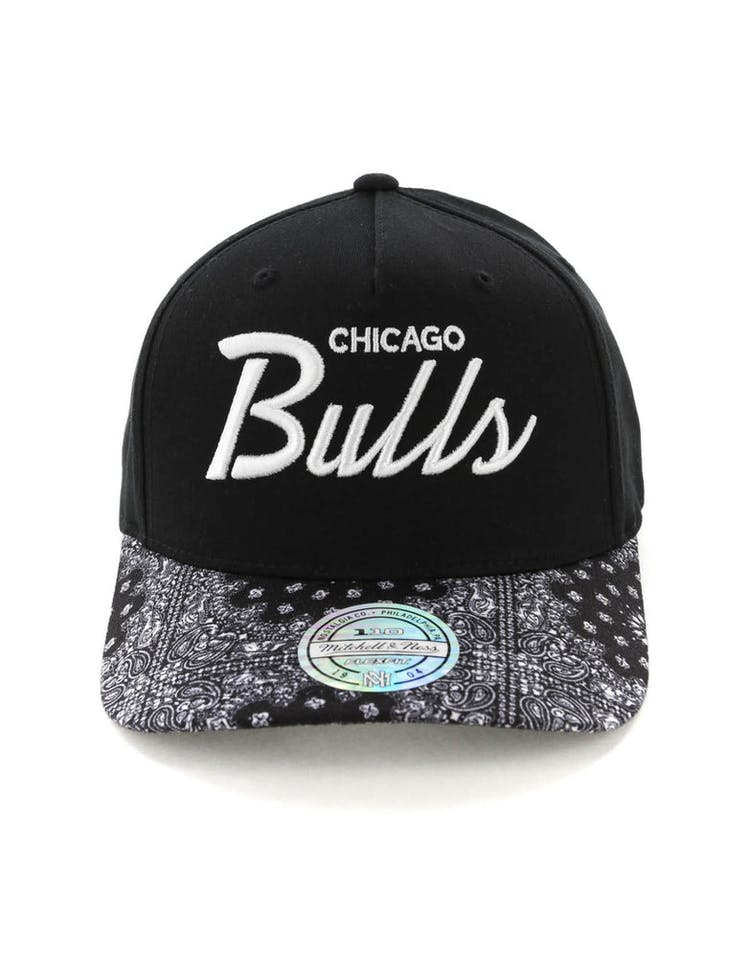 5a503795 Mitchell & Ness Chicago Bulls Paisley 110 Snapback Black