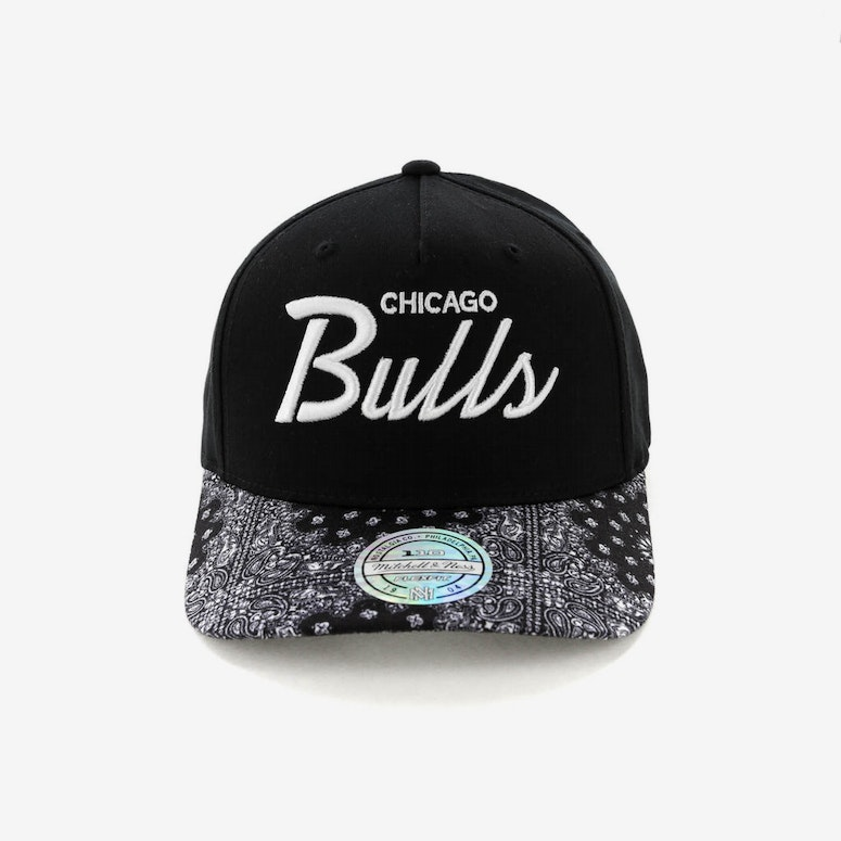 Mitchell & Ness Chicago Bulls Paisley 110 Snapback Black