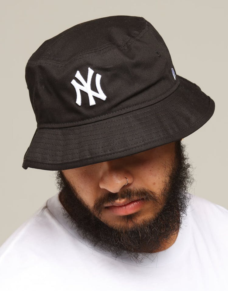 38cf7f78ad1 New Era New York Yankees Bucket Hat Black White – Culture Kings