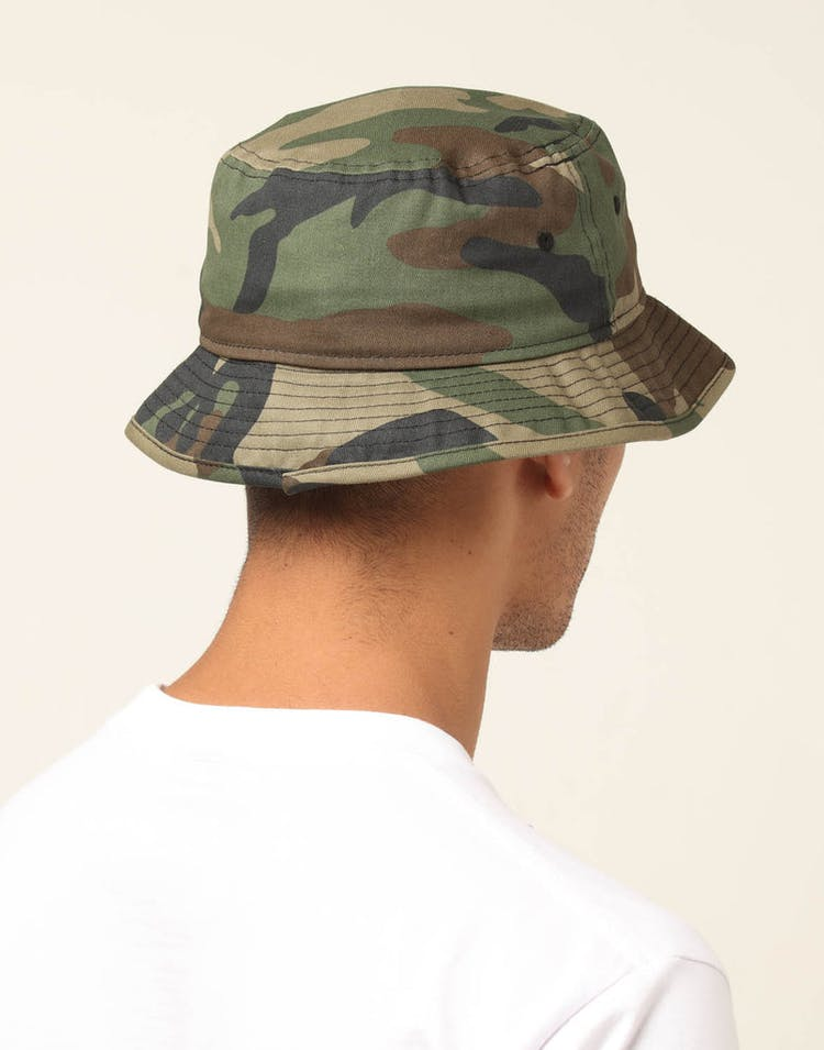 5c0fd1c17 New Era Los Angeles Lakers Bucket Hat Camo