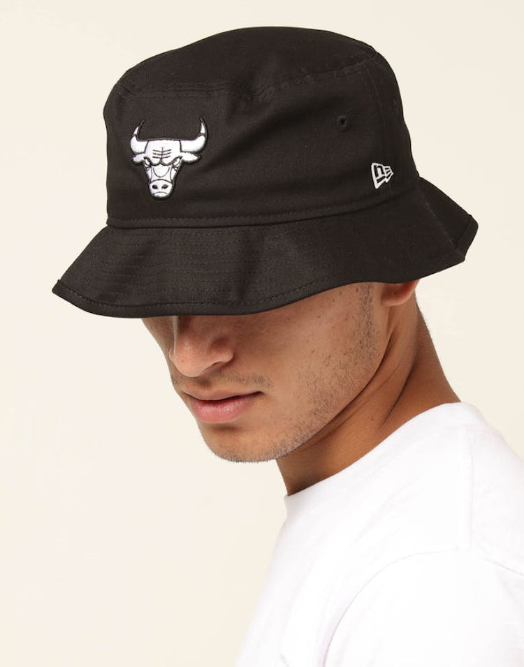 5ea0cb7a48f122 New Era Chicago Bulls Bucket Hat Black White – Anexas