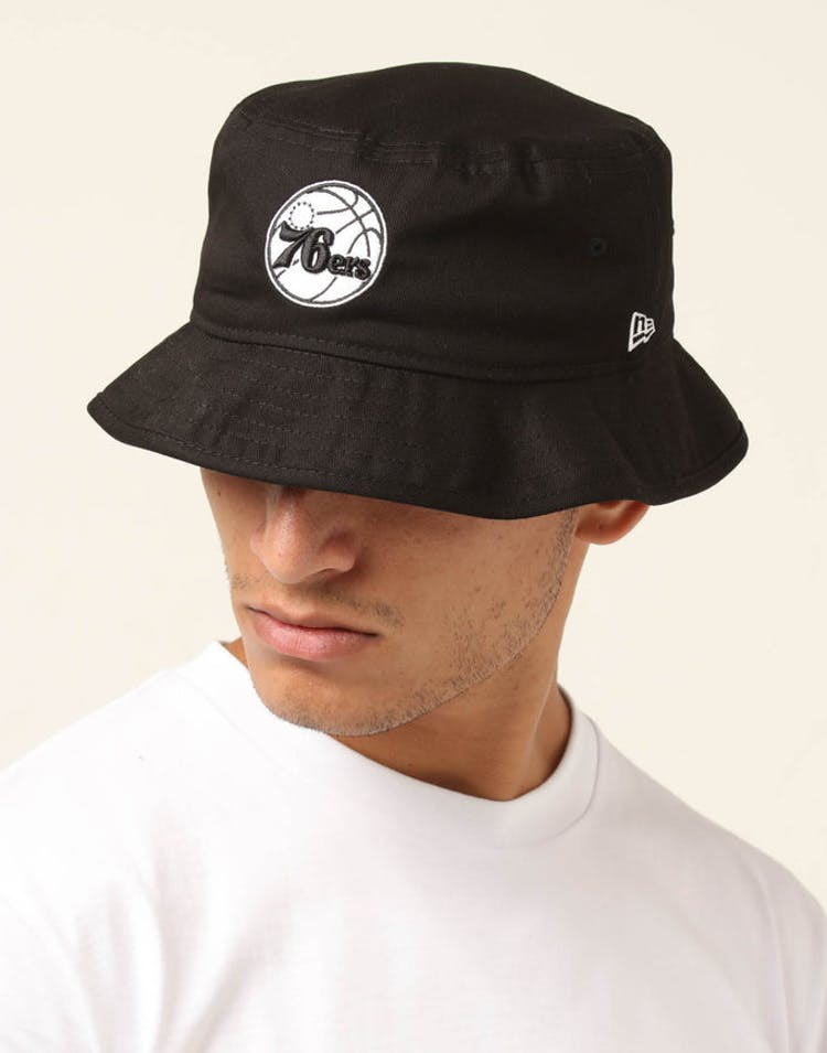 8829a3db48b New Era Philadelphia 76ers Bucket Hat Black White – Culture Kings