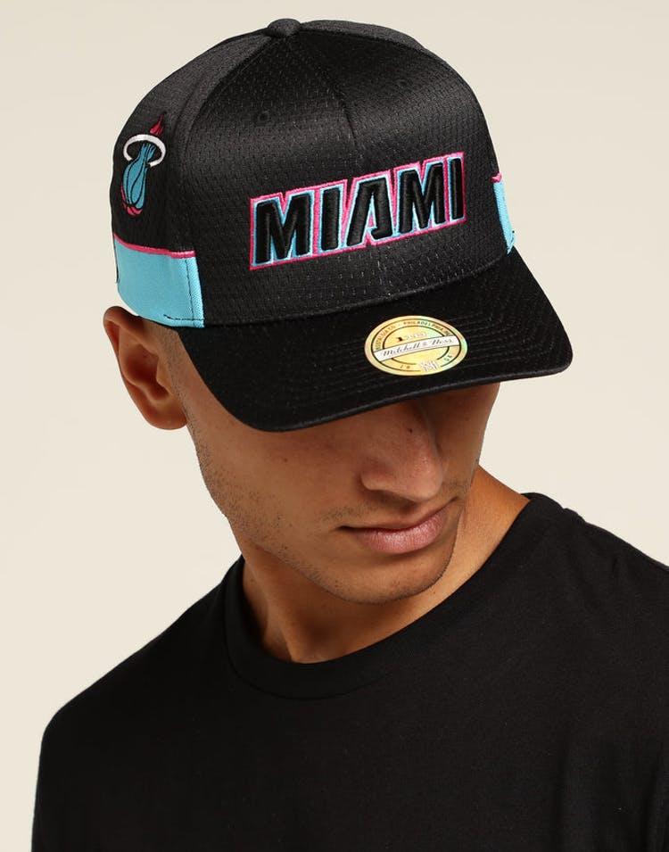 pretty nice 91655 5a70c Mitchell   Ness Miami Heat City Series Snapback Black Pink – Culture Kings
