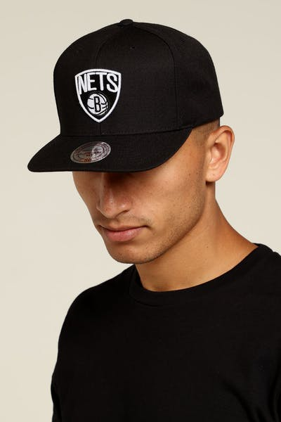 304e3dd1e82 Mitchell   Ness Brooklyn Nets Logo High Crown Snapback Black White