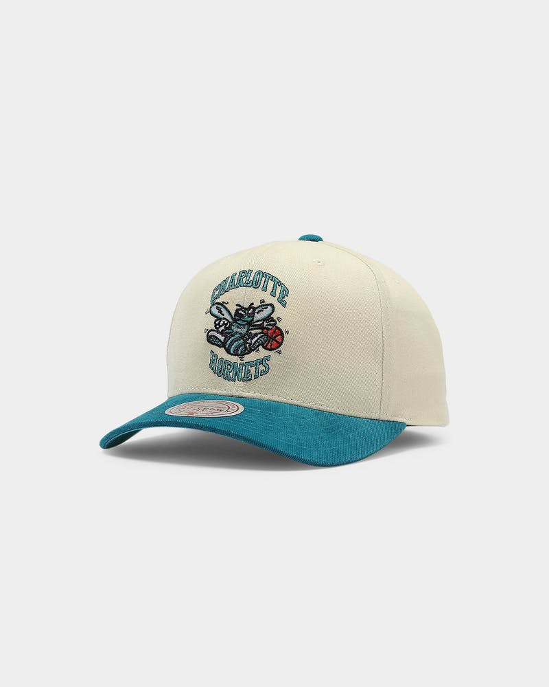 Mitchell & Ness Charlotte Hornets Pro Crown Snapback Off White/Teal