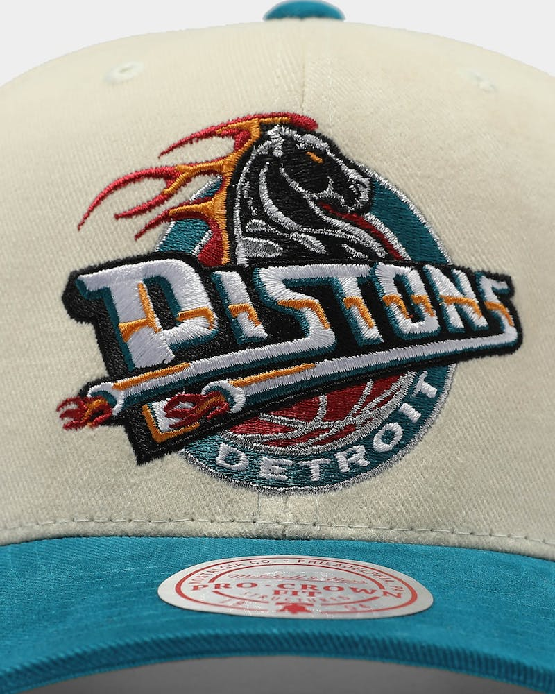Mitchell & Ness Detroit Pistons Pro Crown Snapback Off White/Teal