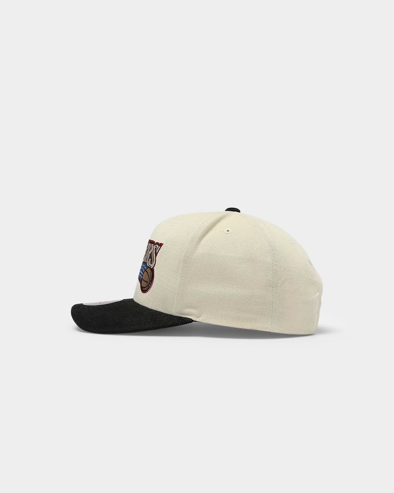 Mitchell & Ness Philadelphia 76ers Pro Crown Snapback Off White/Black