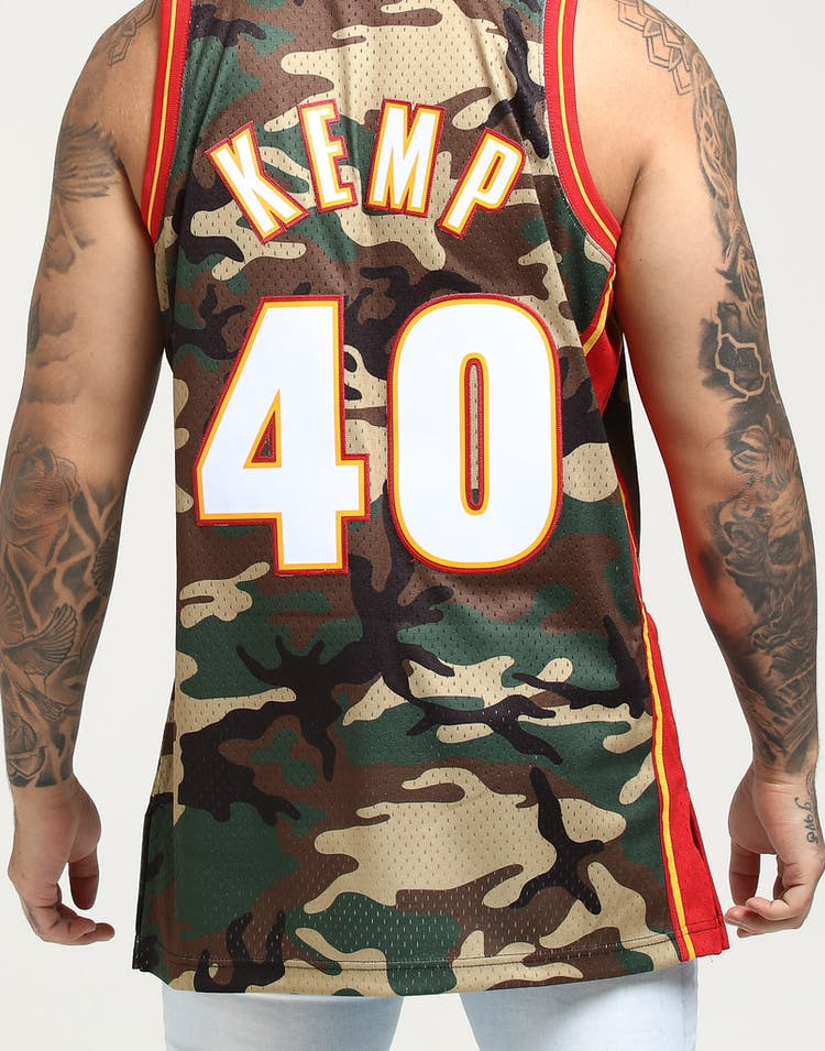 9b8b5c8545f Mitchell   Ness Seattle Supersonics Shawn Kemp  40 Swingman NBA Jersey Camo