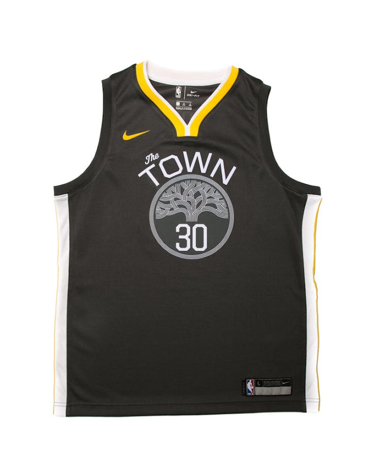 154d96b6290 Stephen Curry #30 Nike Statement Edition Youth Swingman Jersey Black –  Culture Kings