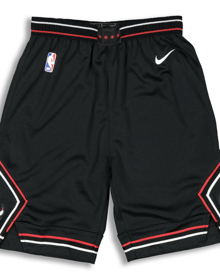 af7ff1d471d Nike Youth Chicago Bulls Statemen Swingman Shorts Black – Culture Kings