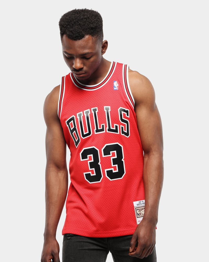 Mitchell & Ness Chicago Bulls Scottie Pippen #33 Swingman Jersey Red/Black