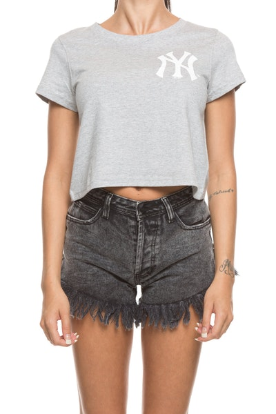 Majestic Athletic Women's Yankees Gypsa Crop Tee Grey