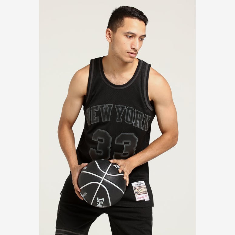 Mitchell   Ness New York Knicks Patrick Ewing  33 Swingman NBA Jersey –  Culture Kings e882073f5