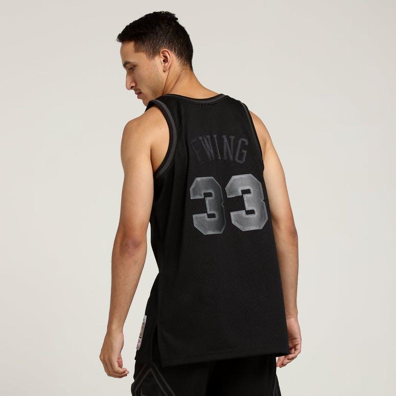 Mitchell   Ness New York Knicks Patrick Ewing  33 Swingman NBA Jersey Black d419f2de7