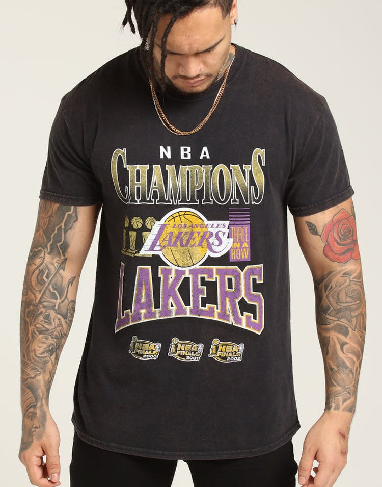 release date: d7308 1472d Mitchell   Ness Kobe Bryant X Los Angeles Lakers Vintage Champ Tee Bla –  Culture Kings