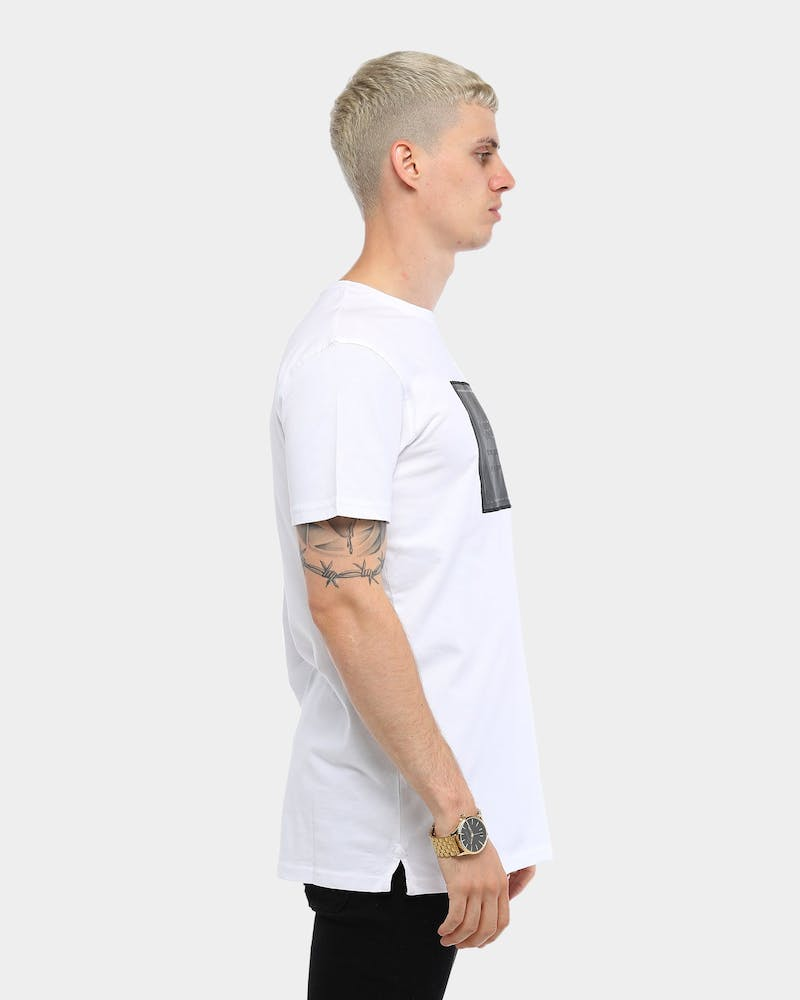 Foundation Divise Short Sleeve T-Shirt