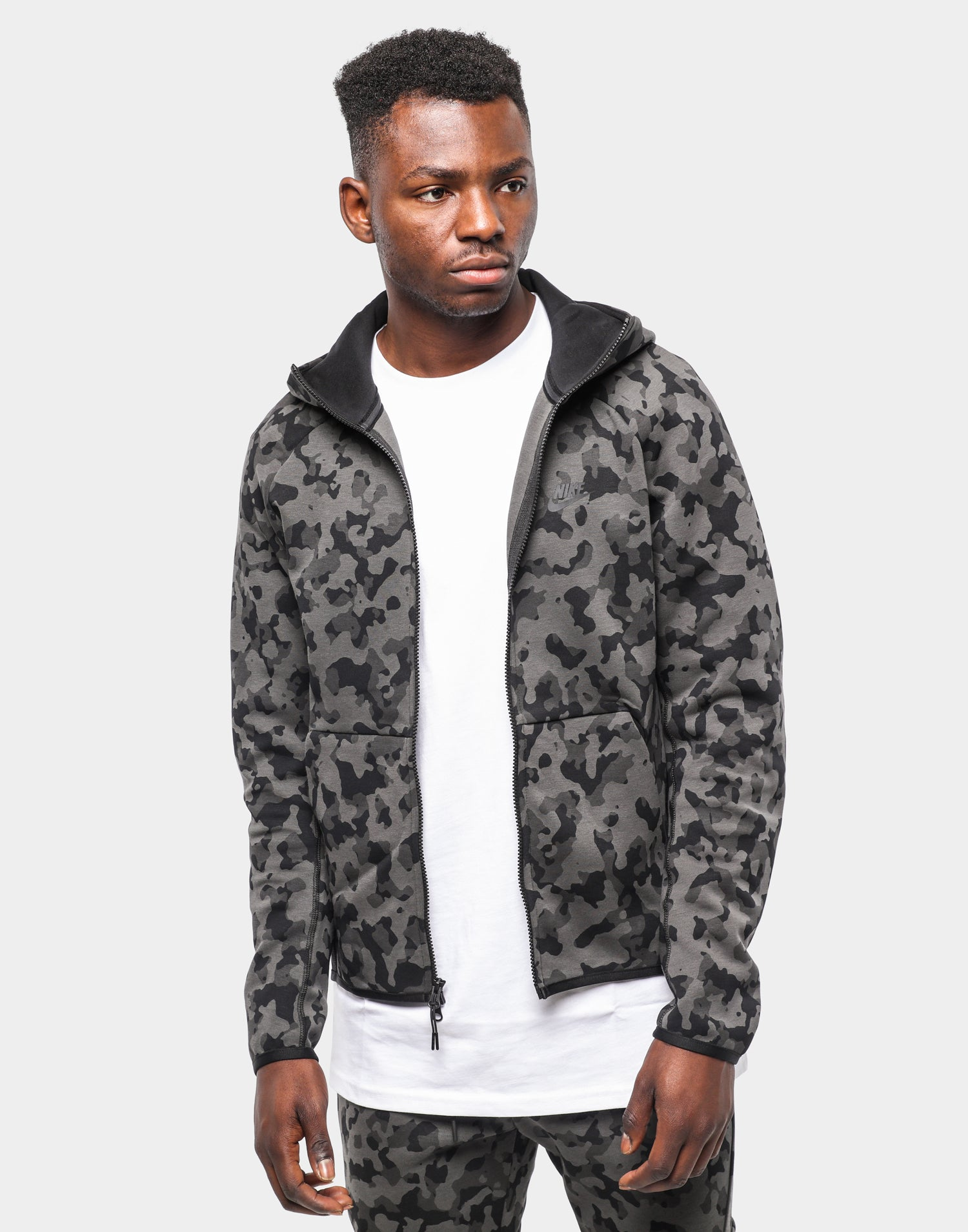 NIKE SPORTSWEAR TECH FLEECE CAMO HOODIE BLACKBLACK