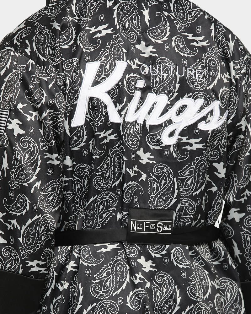 CULTURE KINGS Undisputed Boxing Robe Black/White