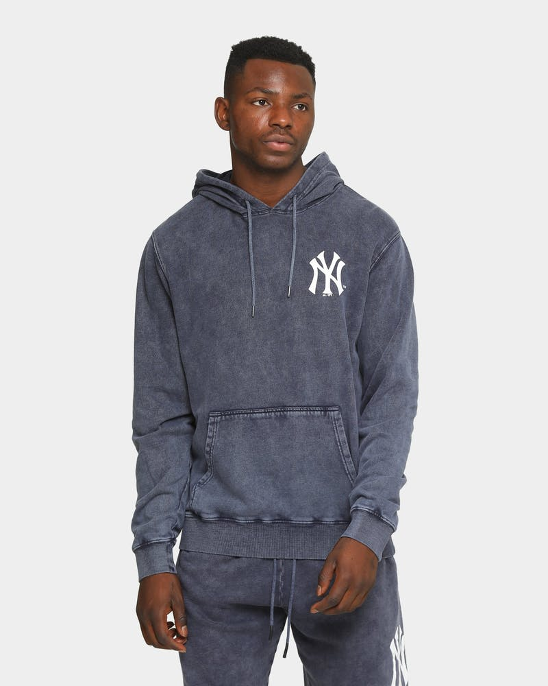 Majestic Athletic New York Yankees Duke Washed Hoodie Snow Wash