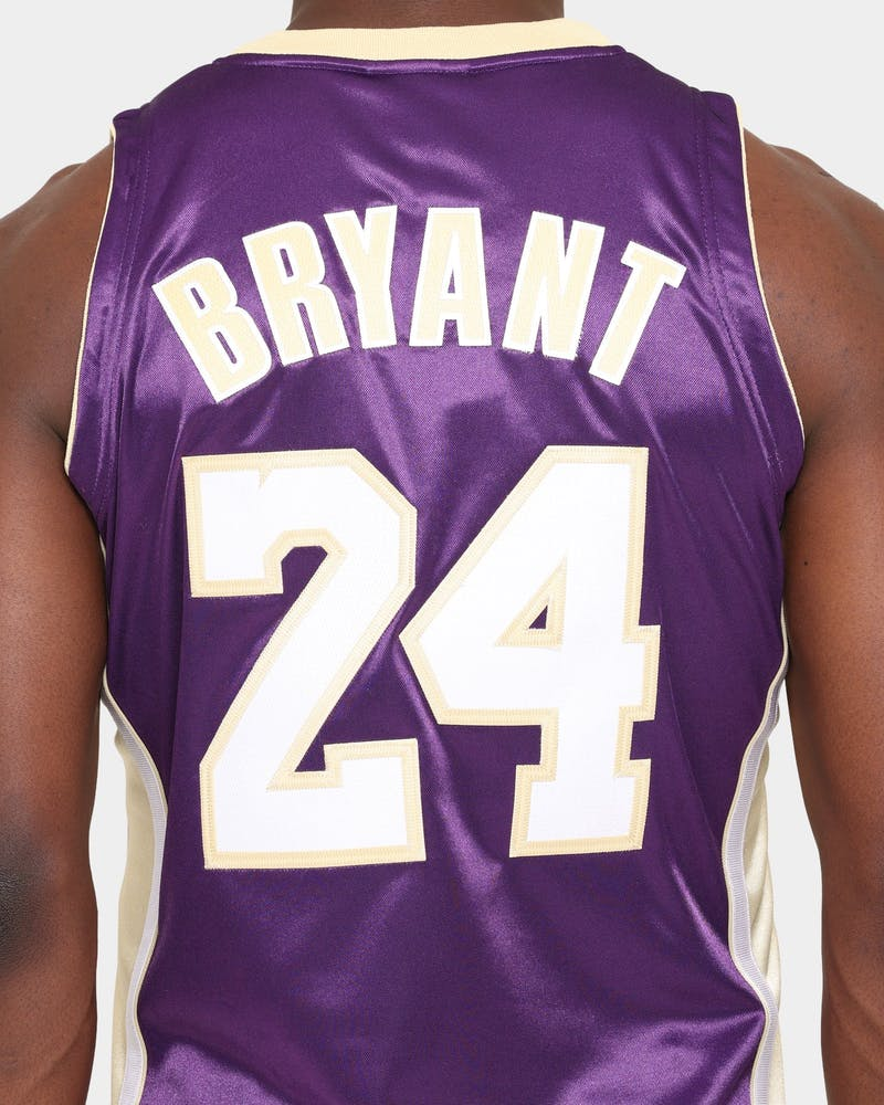 Mitchell & Ness Men's Hall of Fame Kobe Bryant '96-97 Los Angeles Lakers Authentic Jersey  Purple