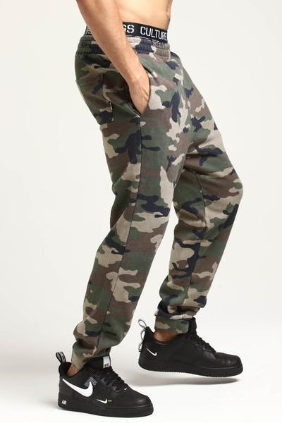 Stussy Boxed Italic Trackpant Camo/Red