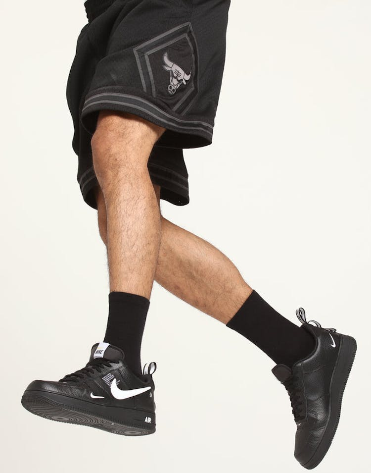 release date: 642aa a9125 Mitchell   Ness Chicago Bulls Swingman Short Black – Culture Kings