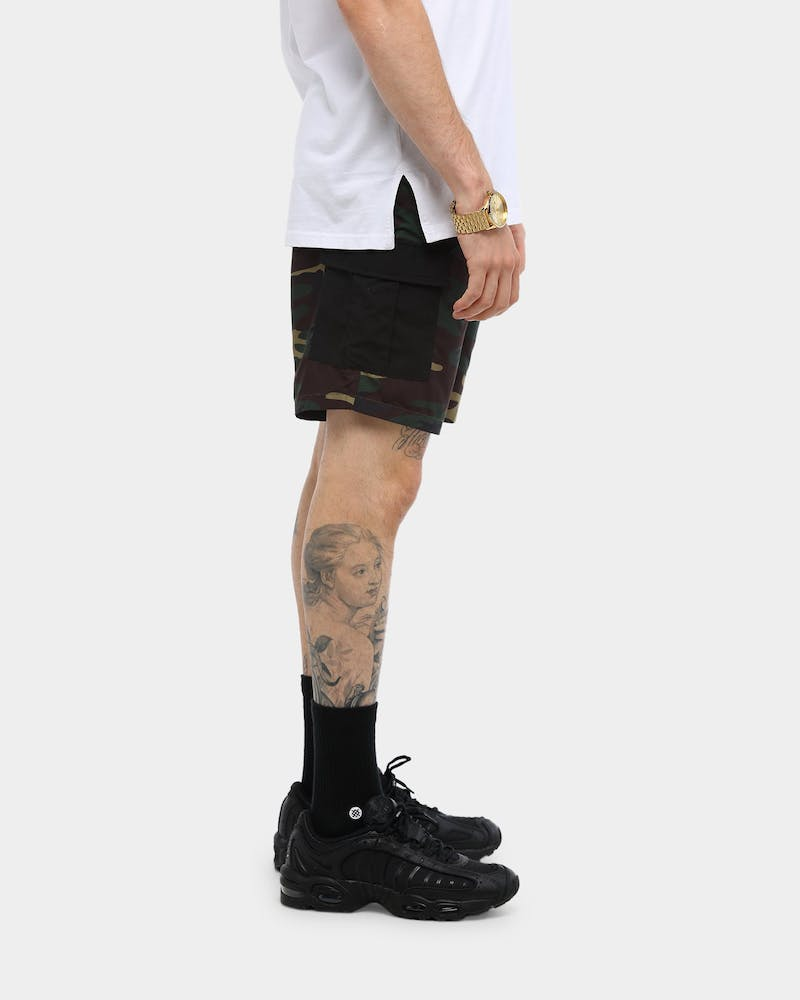 Carré Rev 001 Cargo Shorts Camo