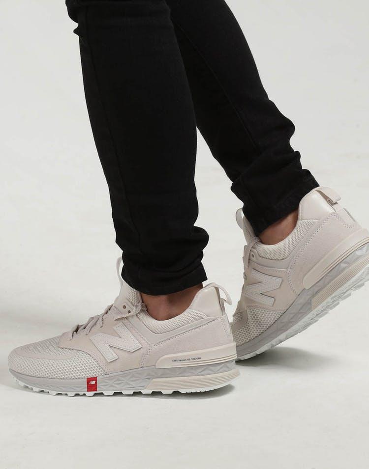 premium selection 3a318 d1e00 New Balance 574 V1 Grey White