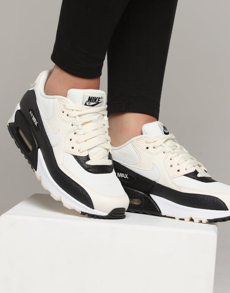 best authentic 5cf50 1ef94 Nike Women's Air Max 90 Off White/Black
