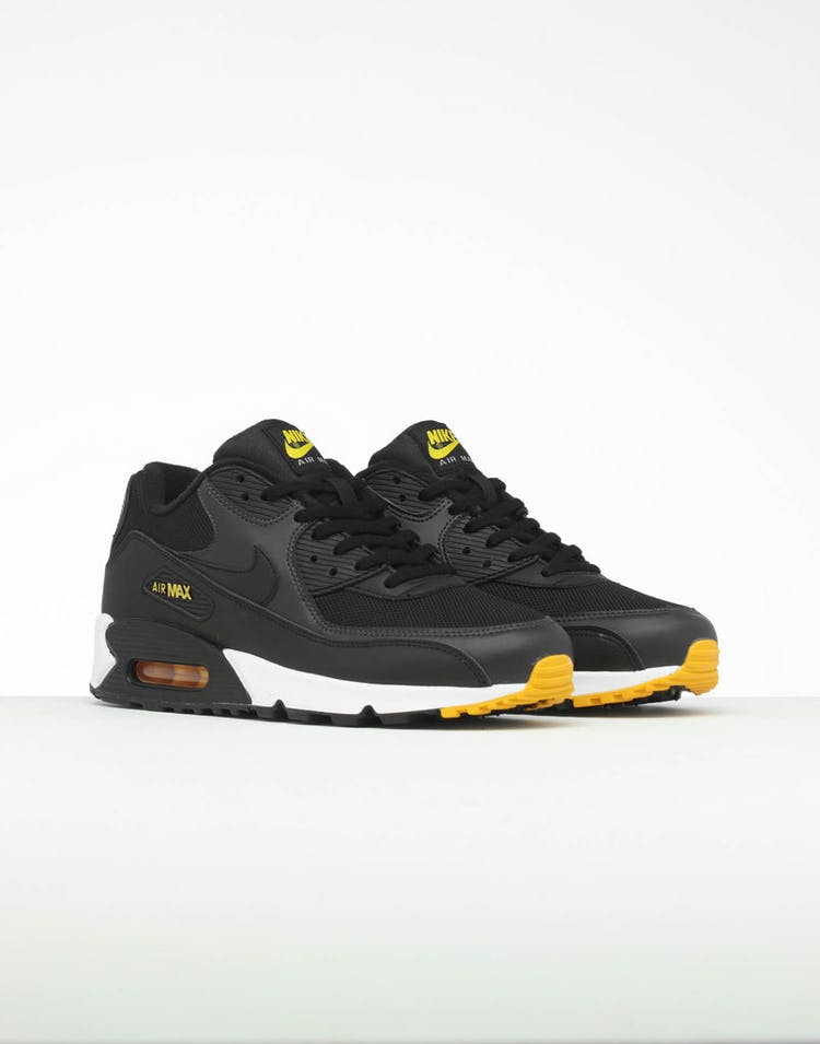 outlet store 2ef40 bbdc7 Nike Air Max 90 Essential Black Yellow White