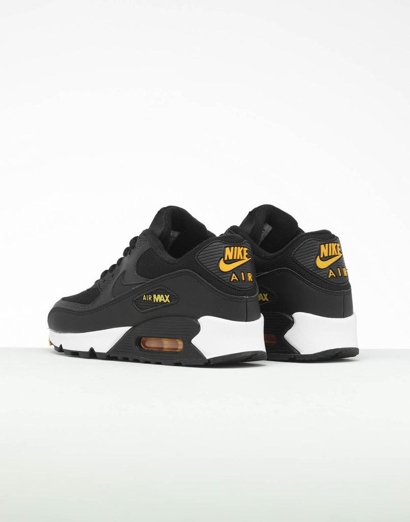 Nike Air Max 90 Women's Shoe. MY