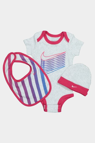 NIKE KIDS MULTI COLOURED SWOOSH 3-PIECE BOX SET PINK