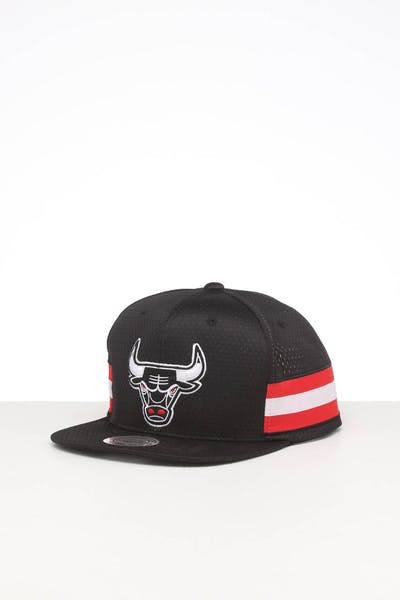 MITCHELL & NESS CHICAGO BULLS SHORT STACK SNAPBACK BLACK