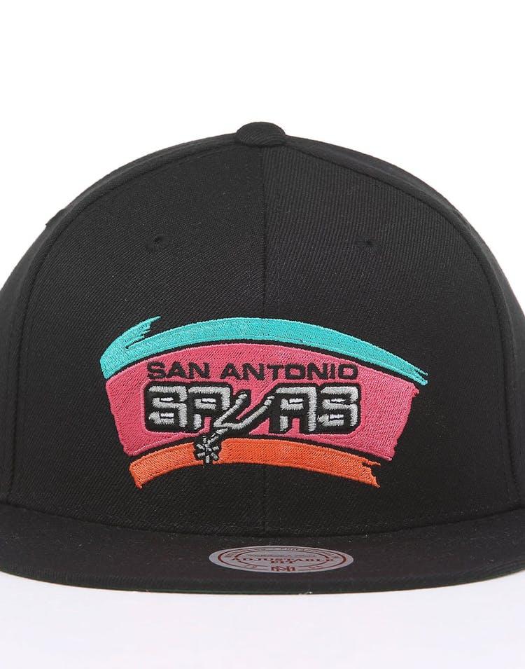 new concept e8faf 42efa Mitchell & Ness San Antonio Spurs Retro Crown Throwback Snapback Black