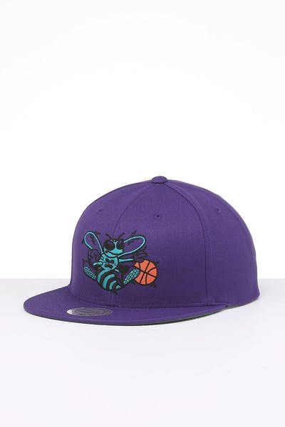 Mitchell & Ness Charlotte Hornets Retro Crown Throwback Snapback Purple