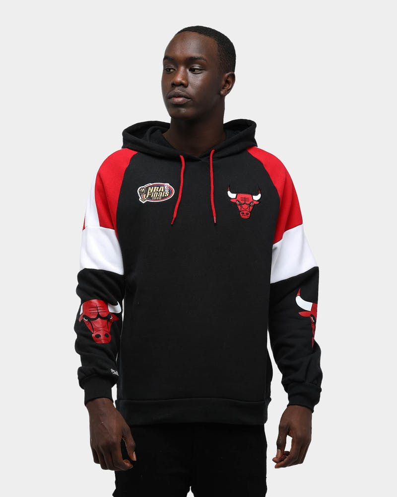 Mitchell & Ness Men's Chicago Bulls Instant Replay NBA Hoodie Black/Red