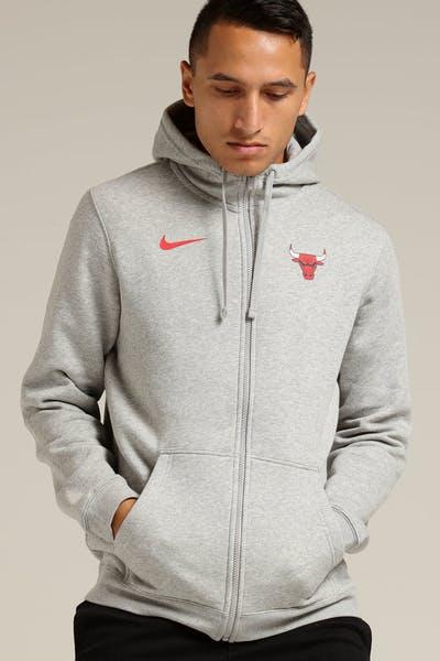 80da4c01c3e6 Nike Chicago Bulls Hoodie FZ Essential Spring Hood Heather Grey Red