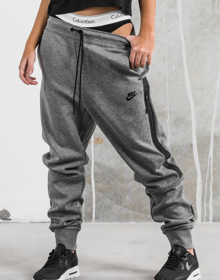 7282a6dfe211 Nike Women s Tech Fleece Pant Dark Grey Black – Culture Kings
