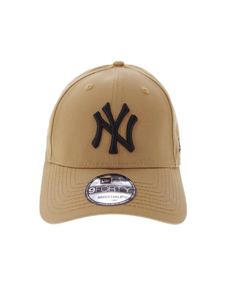 7c4ec5715 New Era New York Yankees 9FORTY Strapback Wheat/Black