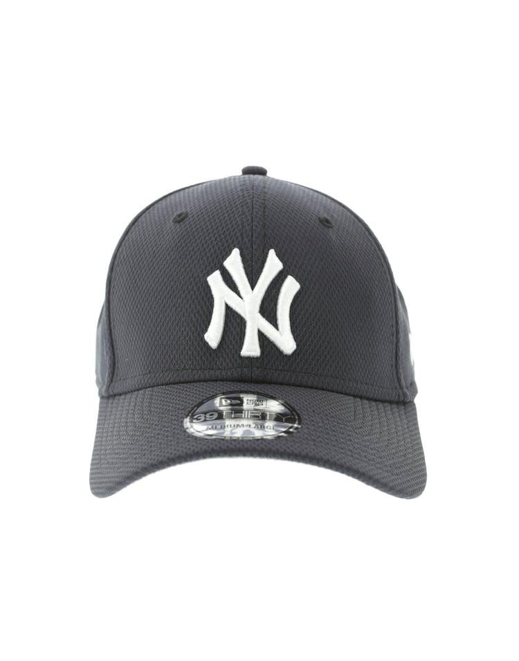 12f28df6a4d New Era New York Yankees Diamond Era 3930 Navy White – Culture Kings