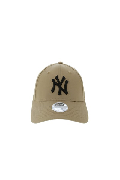 New Era Women's NY Yankees 940 Strapback Camel/Black