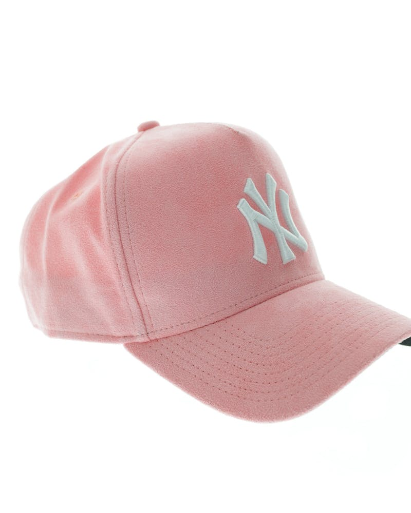 New Era Yankees 9FORTY A-Frame Suede Snapback Salmon