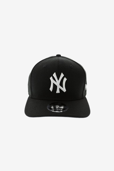 6671bd9cea4 New Era Yankees 9FIFTY Precurved Black White