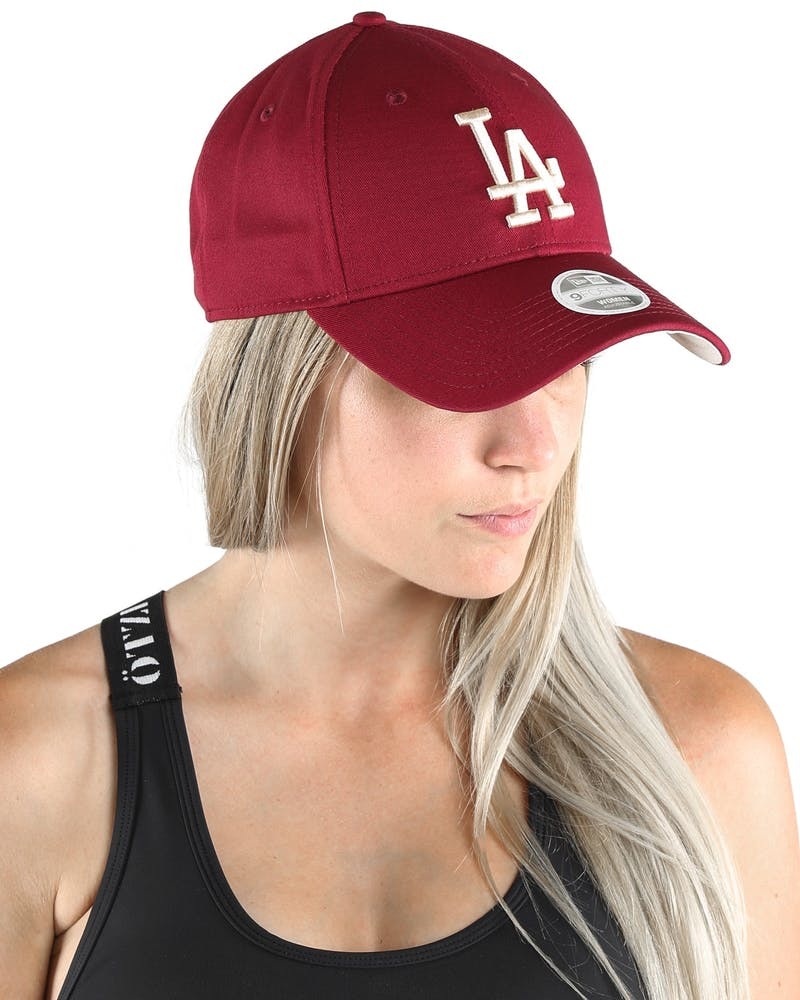 New Era Women's Los Angeles Dodgers Season 9FORTY Strapback Cardinal