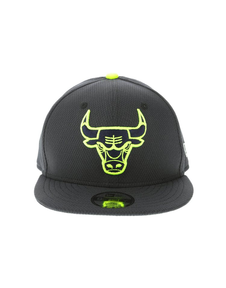 8fb28d215ab1b0 New Era Chicago Bulls Youth Neon Pop 9FIFTY Snapback Navy – Culture Kings
