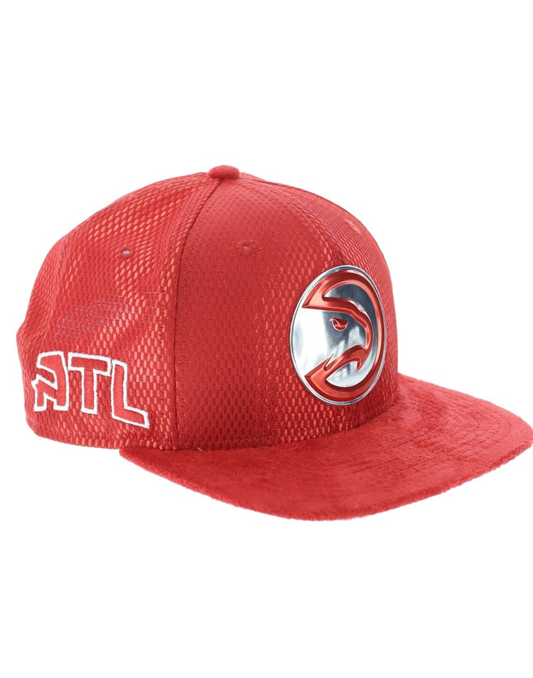 cheap for discount a8f71 d08ec New Era Atlanta Hawks 9FIFTY Original Fit On-Court Collection Draft Snapback  Red