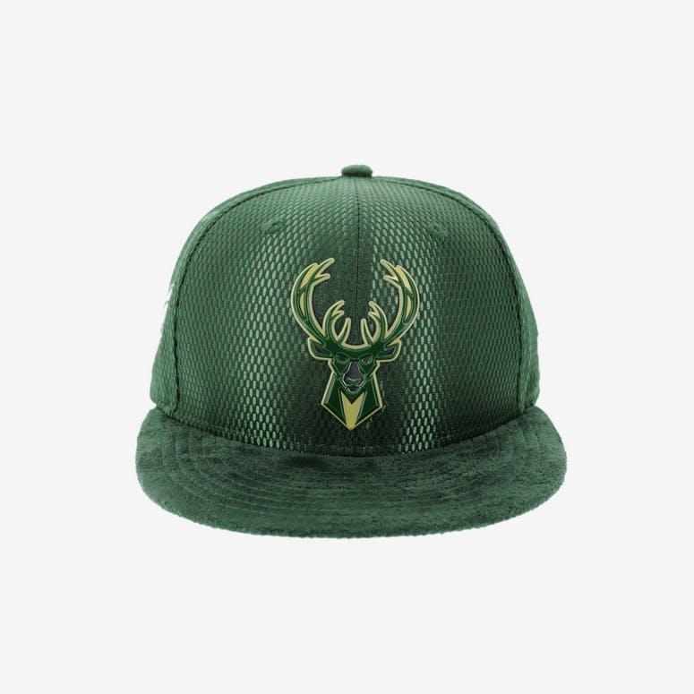 New Era Milwaukee Bucks 9FIFTY On-Court Collection Draft Snapback Gree –  Culture Kings c48fa41746a9