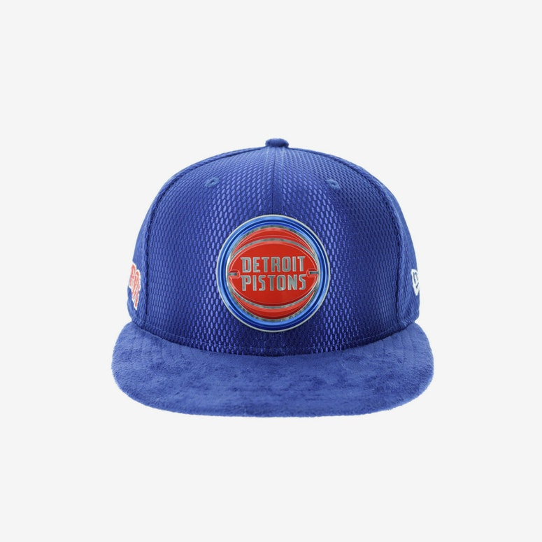 d87c86127 New Era Detroit Pistons 59FIFTY Fitted On-Court Collection Draft Navy